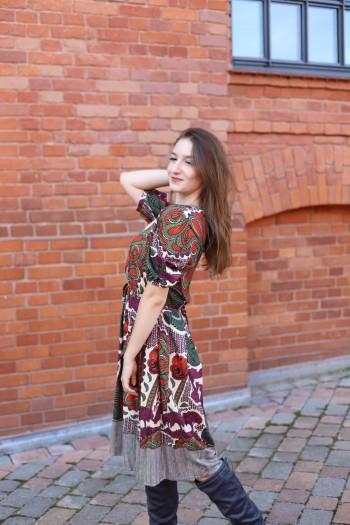 Taliowana sukienka motyw...