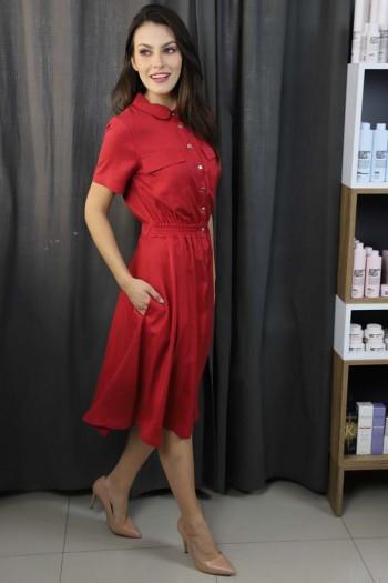 Sukienka w kolorze czerwonym
